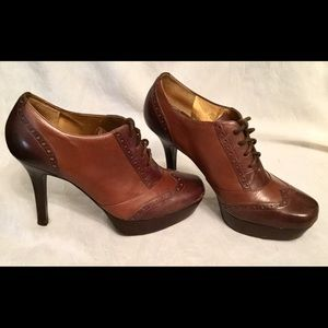 GUESS by Marciano Lace up Oxfords